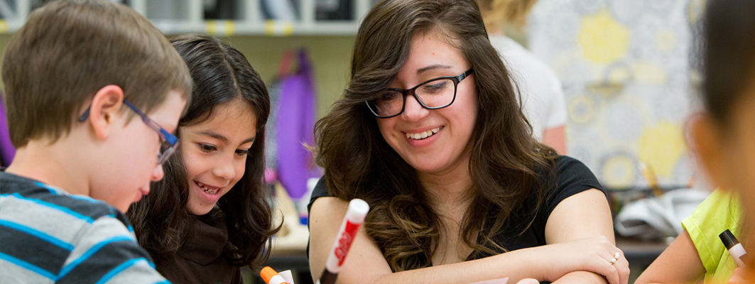 New Practicum Gives Education Majors an Early Start in the Classroom