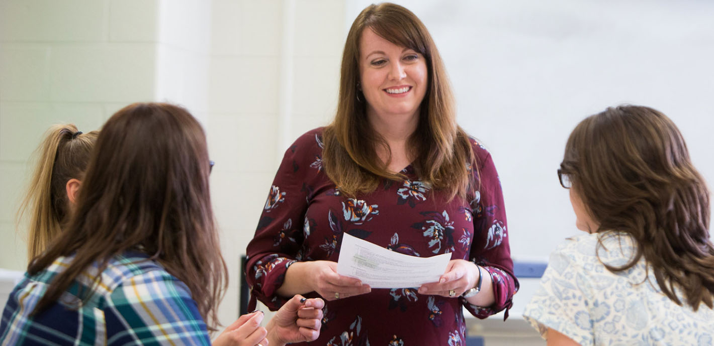 Social Work Students Engaged in Record Number of Internships